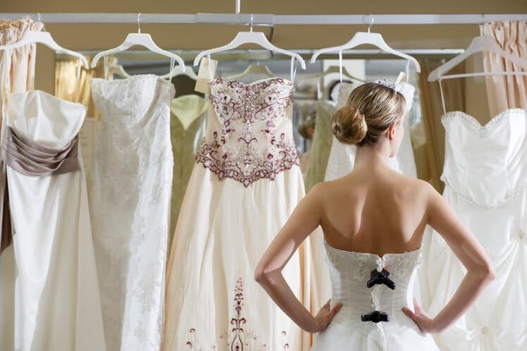 Antecedência e prazo para comprar o vestido de noiva