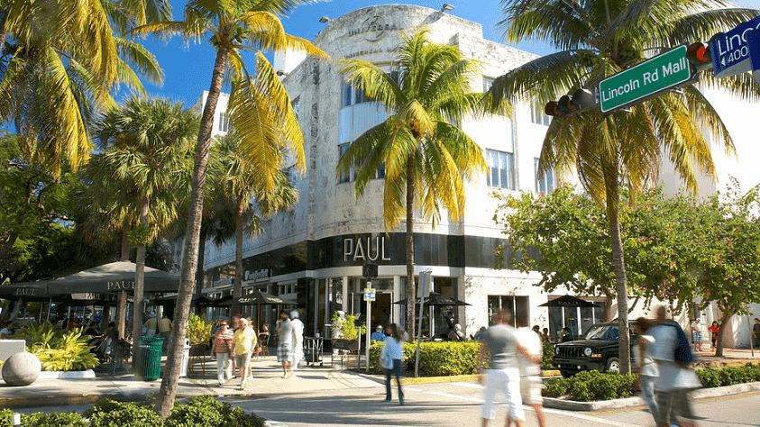 Compras em lojas de rua em Miami
