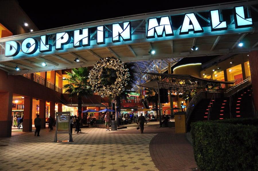Compras no Shopping Dolphin Mall em Miami