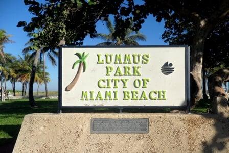 Lummus Park | Praia e parque em Miami Beach