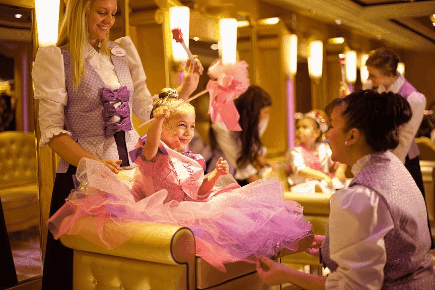 Bibbidi Bobbidi Boutique: Transforme sua filha em princesa na Disney