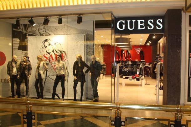 Loja da Guess em Miami e Orlando | Onde comprar roupas, bolsas e relógios