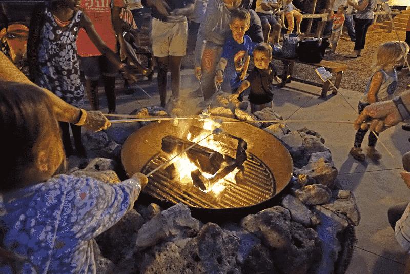 Chip & Dale Campfire no Disney's Fort Wilderness