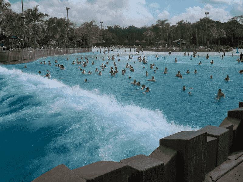 Surf Pool no Typhoon Lagoon