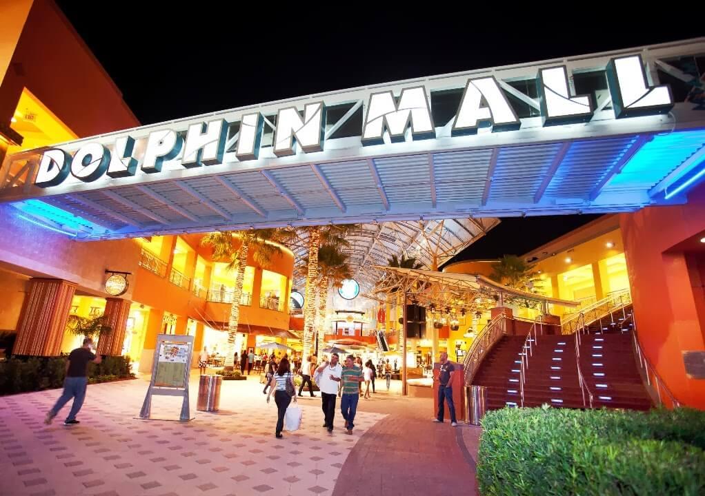 Shopping Dolphin Mall Miami