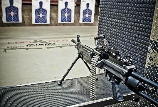 Loja de armas e tiros na Lock em Load em Miami