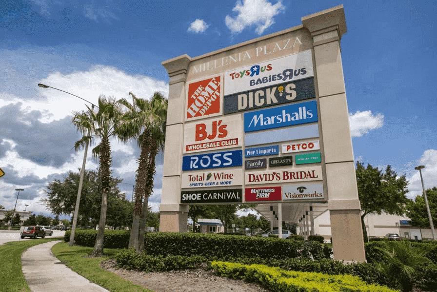 Fachada de Millenia Plaza en Orlando