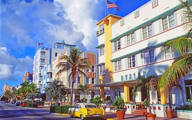 O que eu preciso para viajar para Miami e Orlando?
