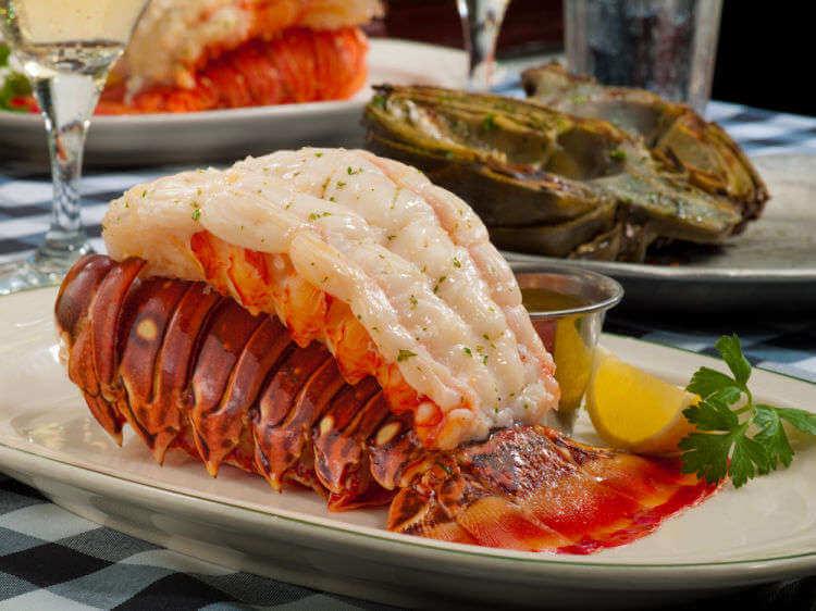 Prato do restaurante Joe's Stone Crab em Miami