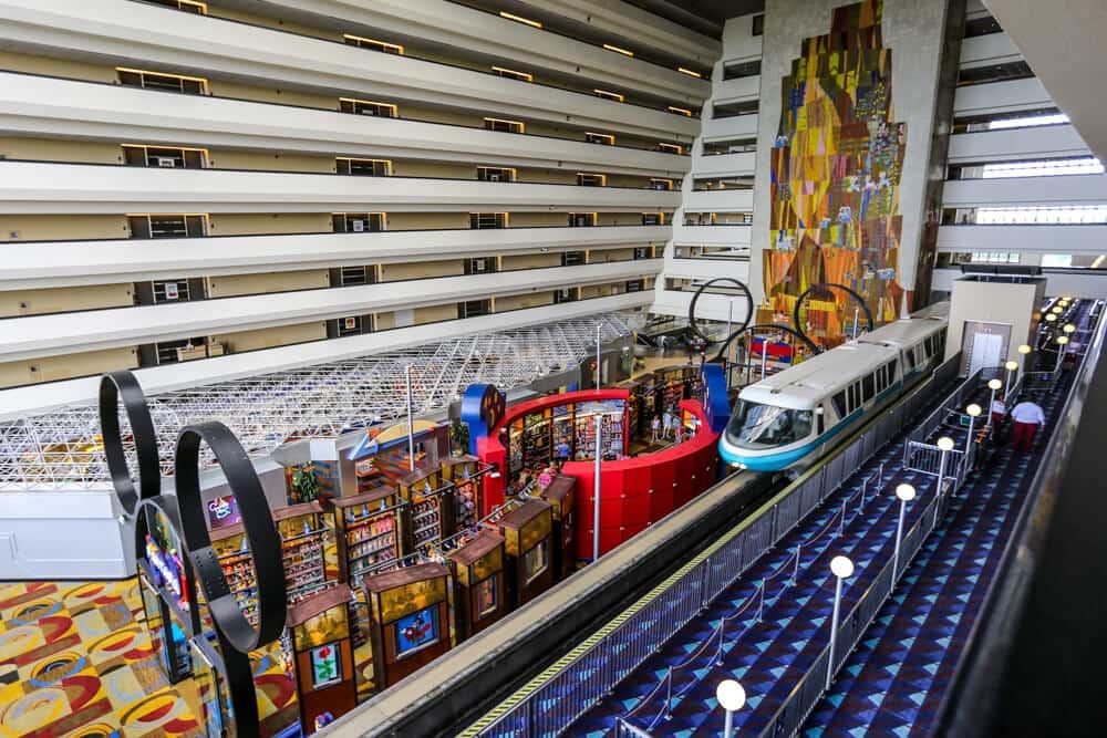 Interior do Hotel Disney's Contemporary Resort em Orlando
