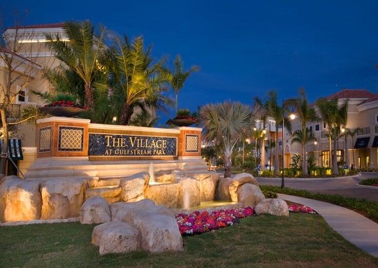 Entrada do Shopping The Village At Gulfstream Park em Miami