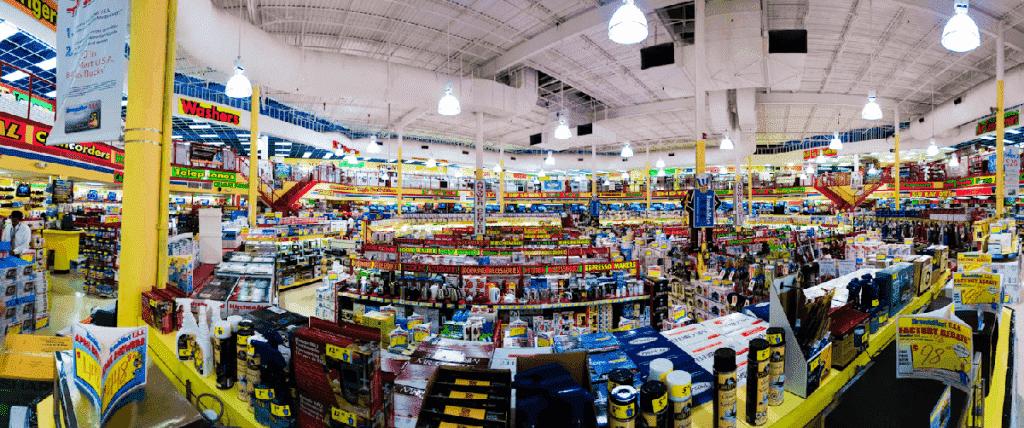 Interior da Loja Tiger Direct em Orlando