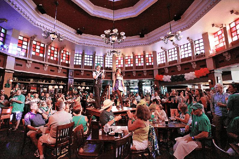 Decoração do Pub Raglan Road em Downtown Disney