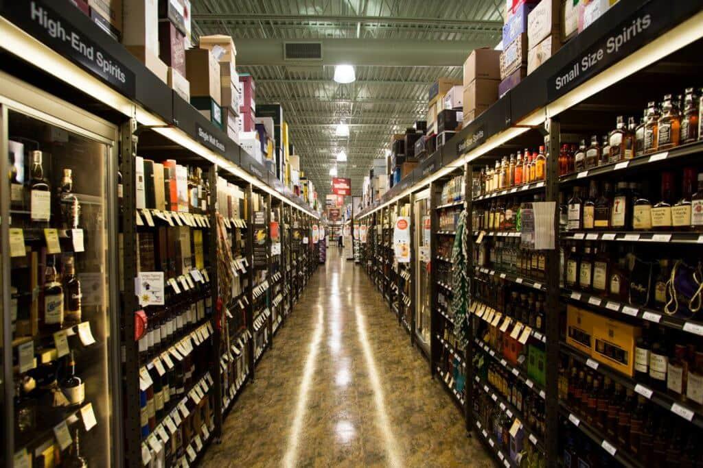 Corredor da Total Wine em Orlando