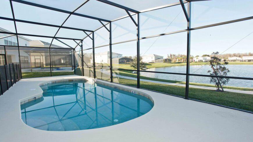 Piscina privativa do Condomínio de casas Bella Vida em Orlando