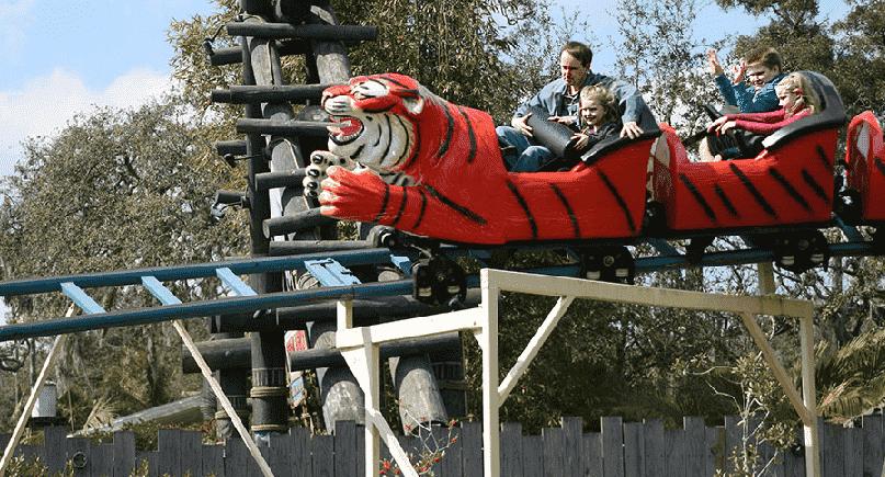 Montanha-russa do Zoológico Lowry Park em Tampa
