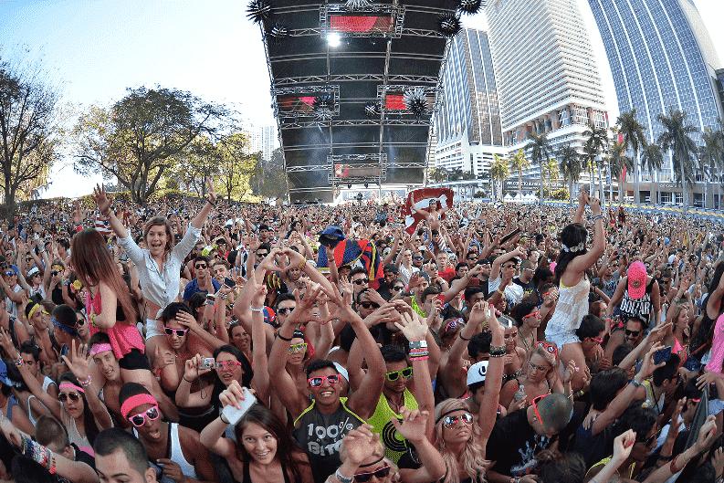 Visitante no Ultra Music Festival em Miami em 2016