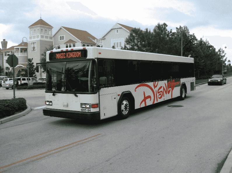 Vantagens dos hotéis da Disney em Orlando: ônibus turistico