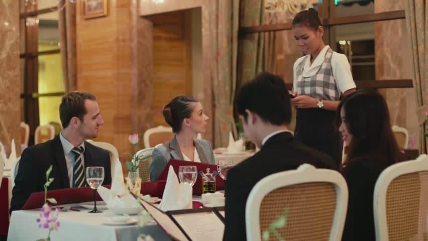 Cardápio de almoço X cardápio de jantar em Orlando