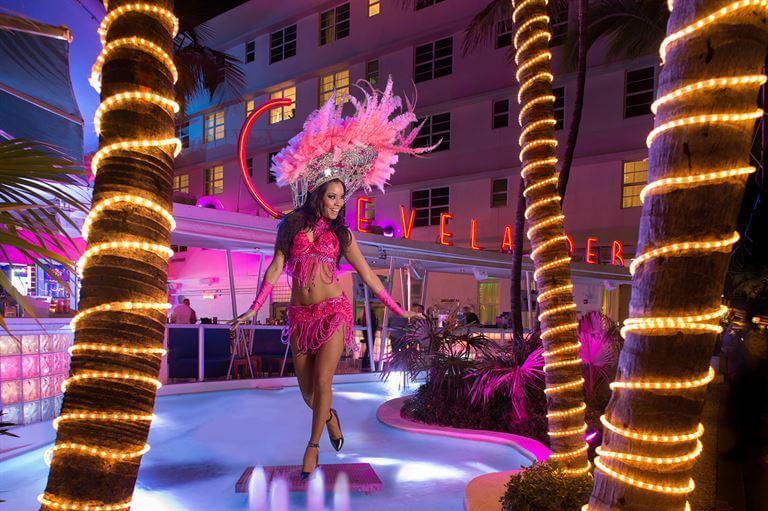 Balada Clevelander em Miami