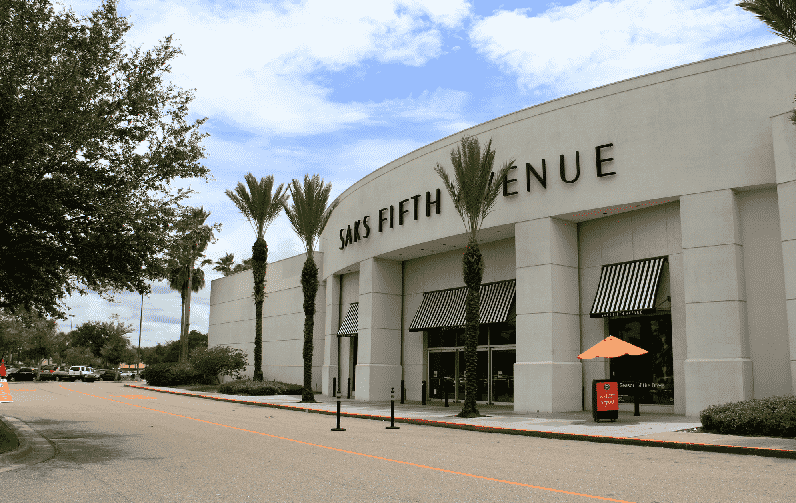 Saks Off 5th na International Drive em Orlando