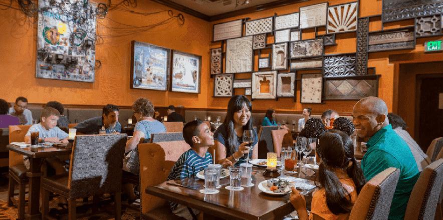 Restaurante Tiffins no Animal Kingdom em Orlando