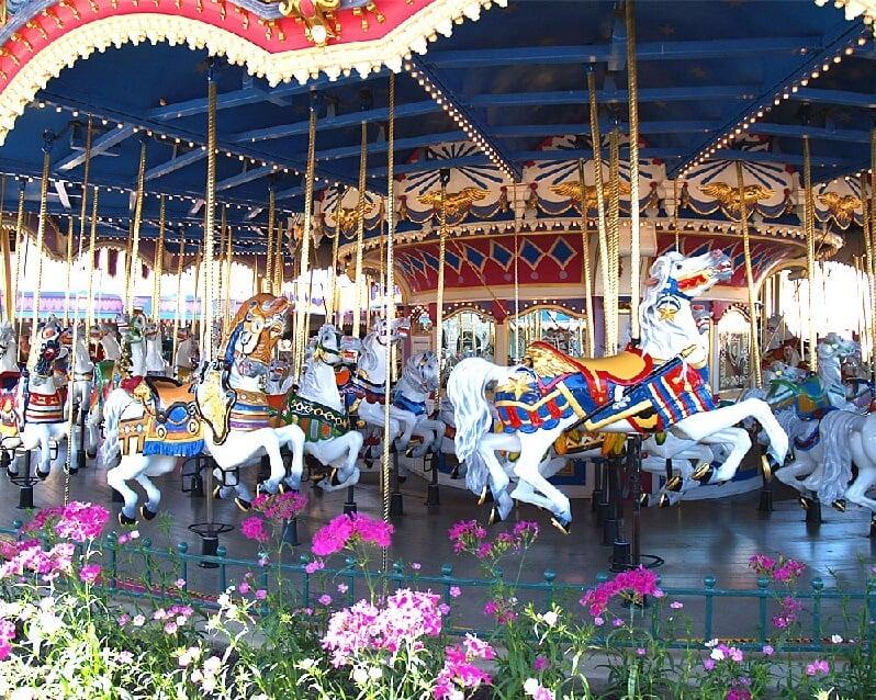 Prince Charming Regal Carousel no Magic Kingdom em Orlando