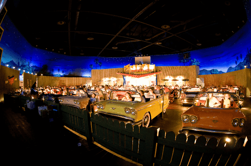 Restaurante Sci-Fi Dine-In Theater no Hollywood Studios em Orlando