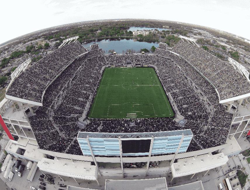 Jogos de futebol no Florida Citrus Bowl em Orlando