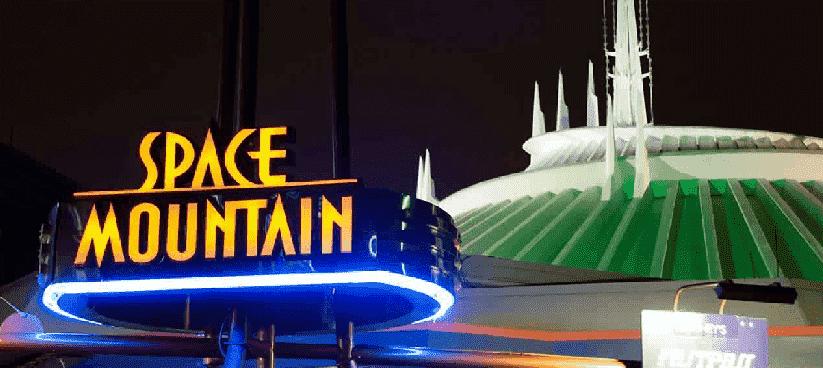 Space Mountain no Magic Kingdom em Orlando