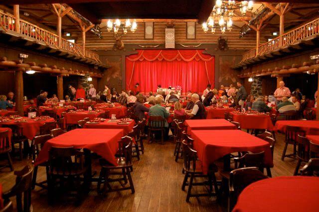 Jantares com shows em Orlando