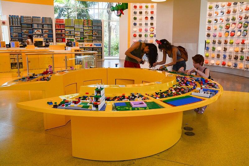 Loja da Lego no Disney Springs em Orlando
