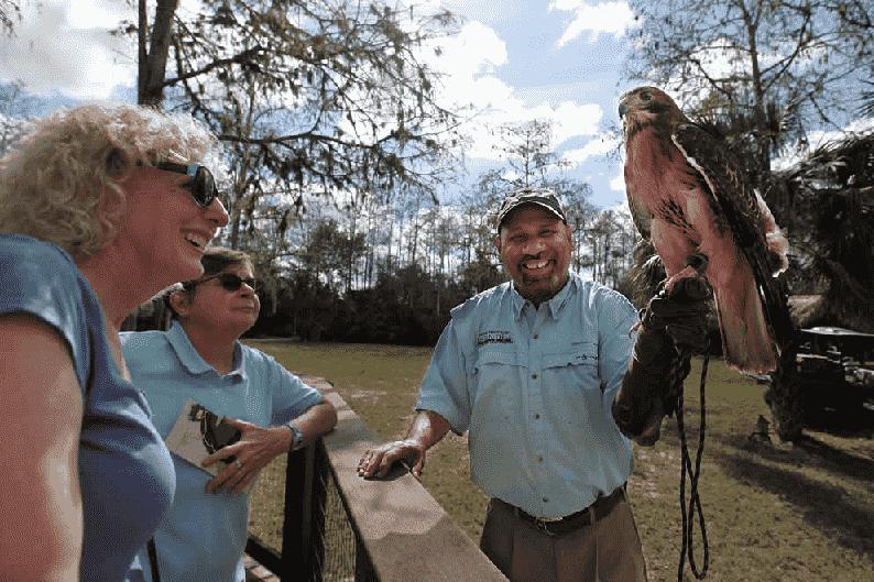 Ah-Tah-Thi-Ki e Billie Swamp em Everglades em Miami