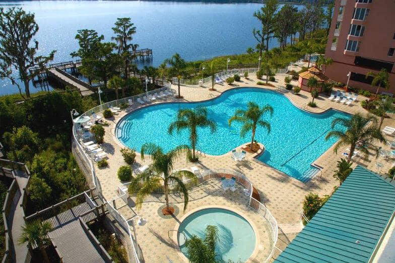 Quartos com vista em Orlando - piscina