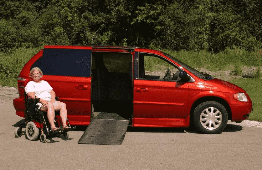 Minivan com aluguel acessível em Orlando