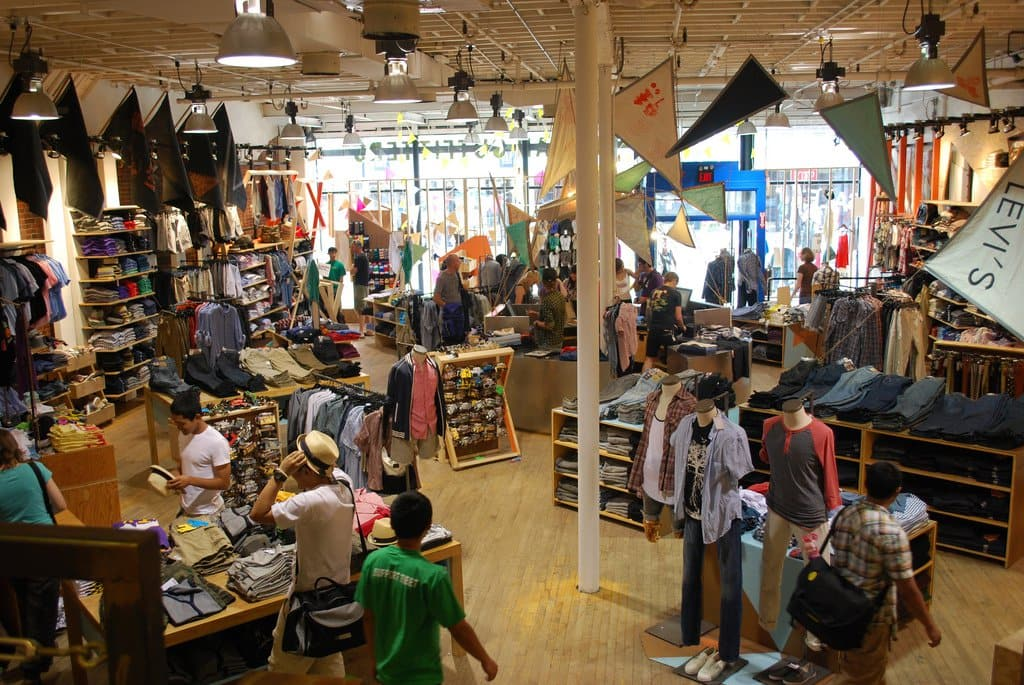 Urban Outfitters Pesquise no Google Maps Rotas Urban Outfitters