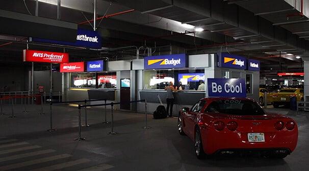Como ir do aeroporto de Miami até o centro turístico de carro