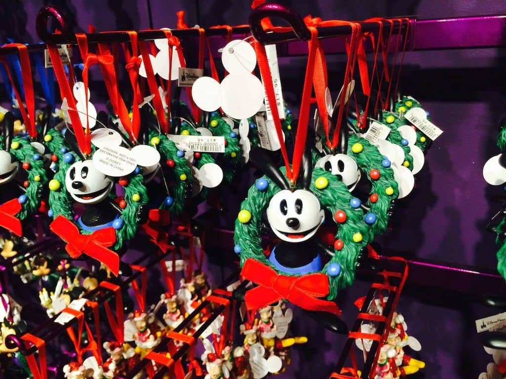Acessórios de natal do Mickey na Disney's Days of Christmas na Disney Springs Orlando