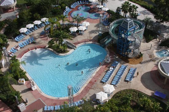Piscina no hotel Bay Lake Tower Contemporary Resort