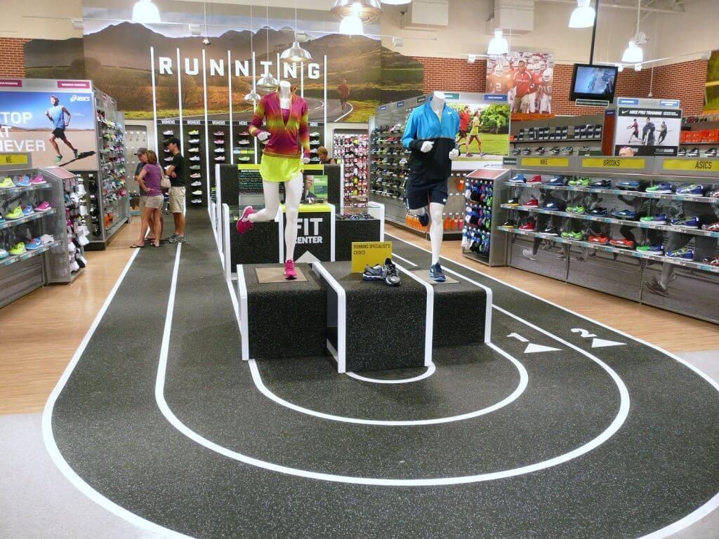 Interior da loja de esportes DICK'S Sporting Goods em Miami