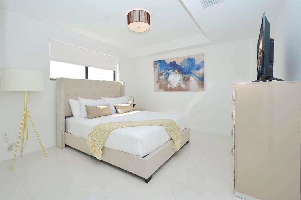 Moderno Residences By Bay Breeze em Miami Beach: quarto