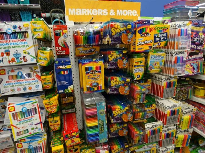 Loja Five Below em Miami: papelaria infantil