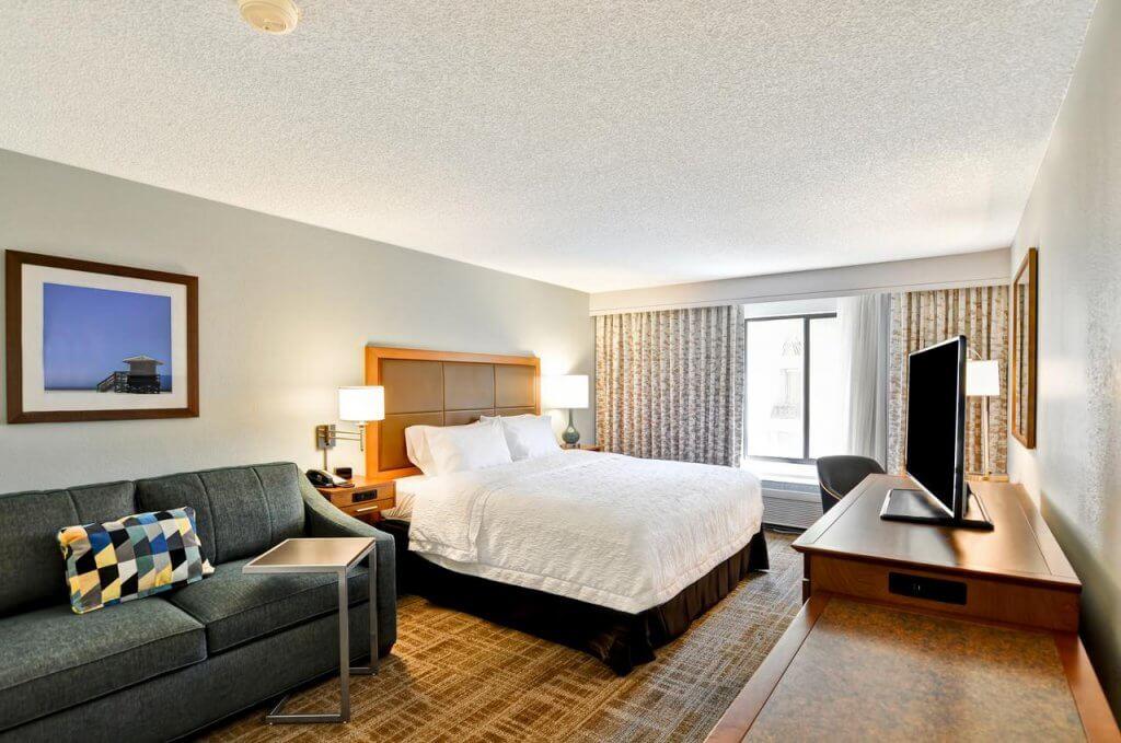 Hotéis bons e baratos em Boca Raton na Flórida: Hotel Hampton Inn Boca Raton: quarto