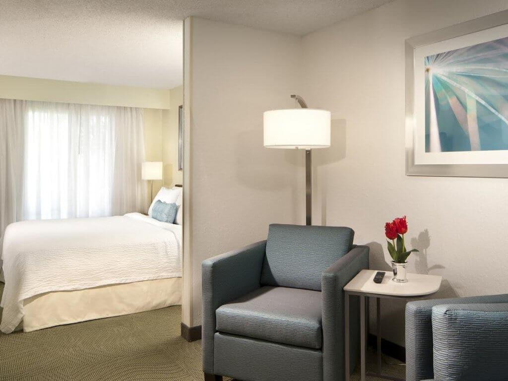Hotéis bons e baratos em Boca Raton na Flórida: Hotel SpringHill Suites Boca Raton: quarto