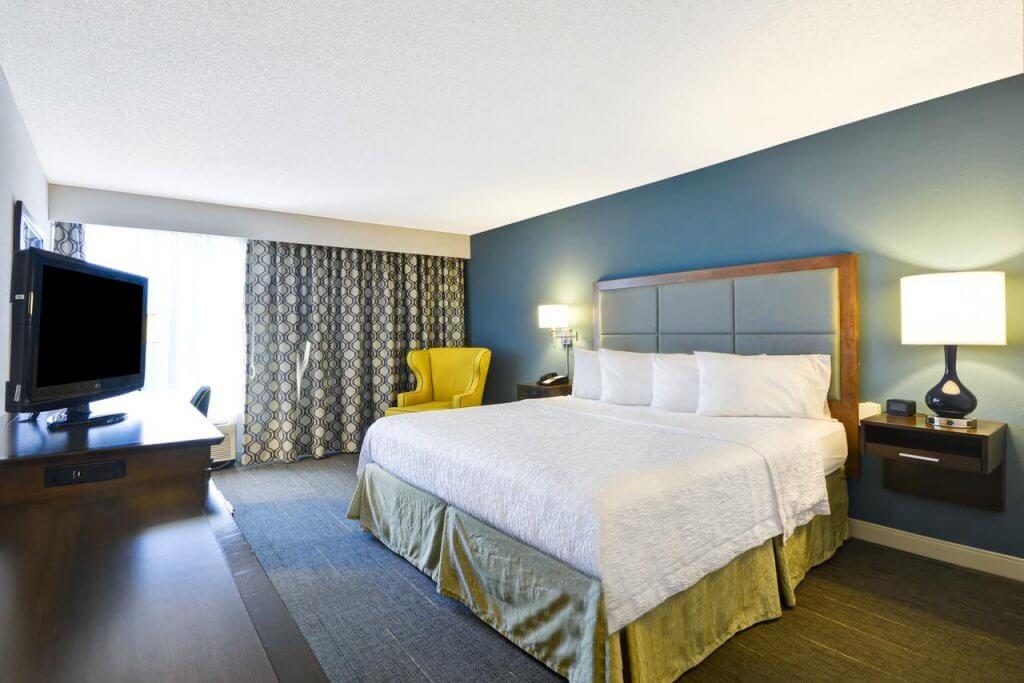 Hotéis bons e baratos em Sarasota: Hotel Hampton Inn Sarasota I-75 Bee Ridge: quarto