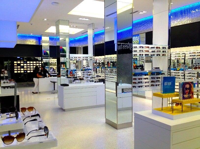 Lojas da Sunglass Hut em Miami e Orlando