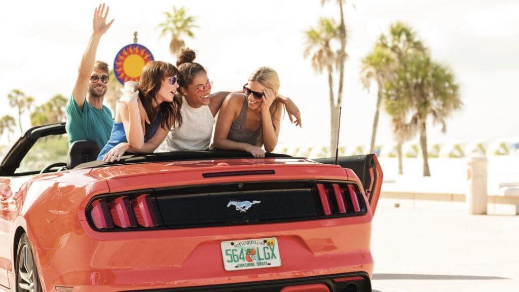 Conduciendo por las playas de la costa este de Florida