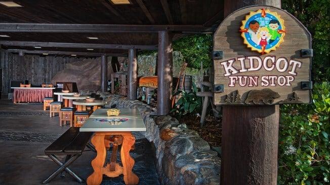 Cartões e adesivos dos países para colecionar no Disney Epcot: Kidcot