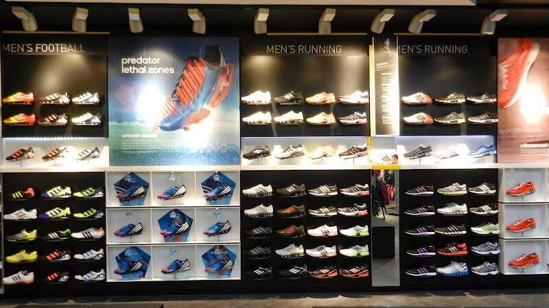 Onde comprar tênis de corrida e futebol em Miami e Orlando