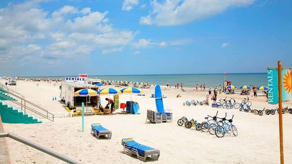 Cidades legais perto de Orlando: Daytona Beach na Flórida